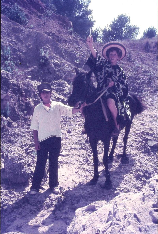שקופית 41- 172 -ג'ש 1974-6-שחר דיקמן ולזיהוי על סוס במחצבה בדמיירה