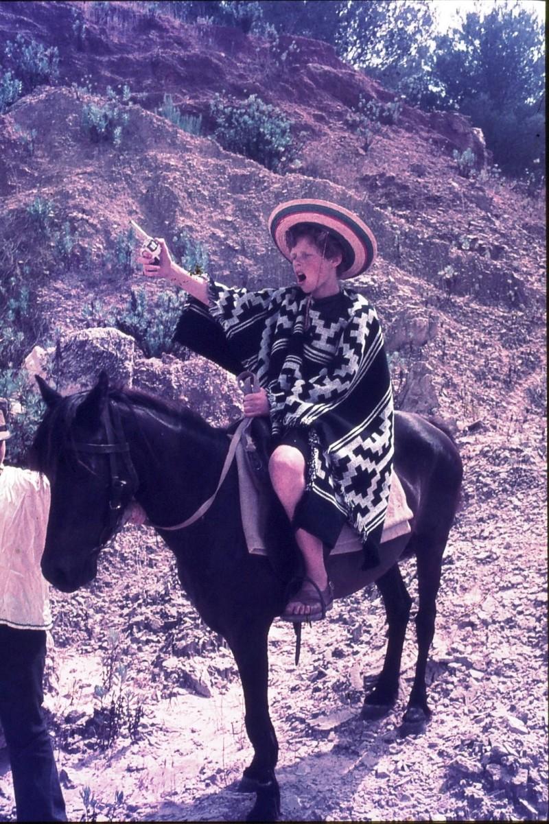 שקופית 42- 172 -ג'ש 1974-6-שחר דיקמן על סוס במחצבה בדמיירה