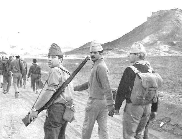 נתן קאפמן , ציון (מלווה), וזאב לייזרוביץ' בטיול תנועה 1966