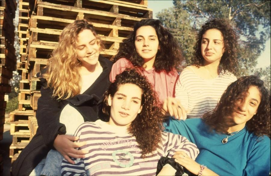 שקופית 10- 236 -ג'ש 1990-קב' מורן בבית החרושת-מיכל ראובן ולזיהוי