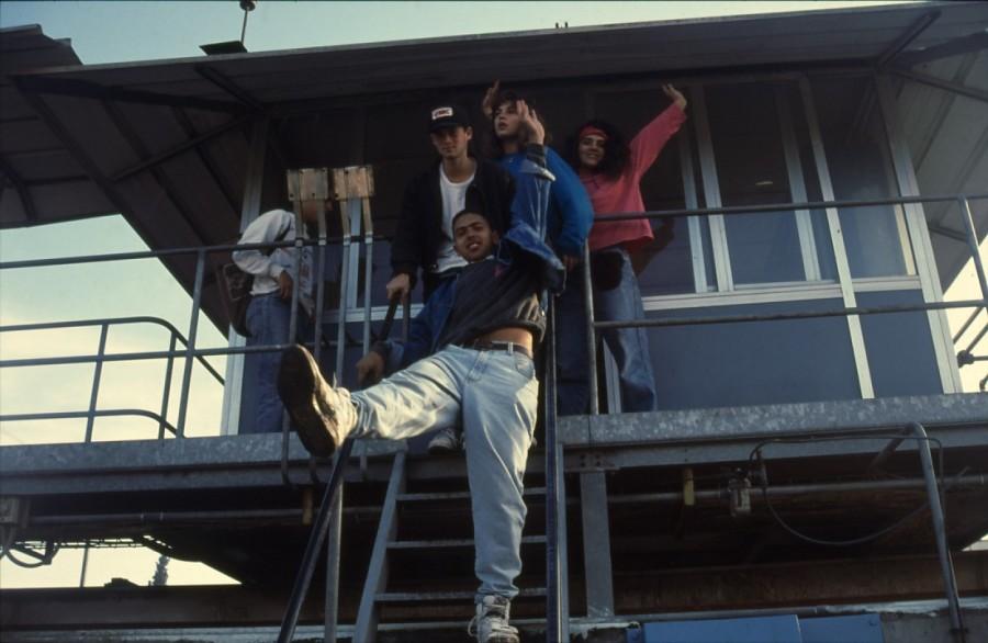 שקופית 13- 236 -ג'ש 1990-קב' מורן בבית החרושת