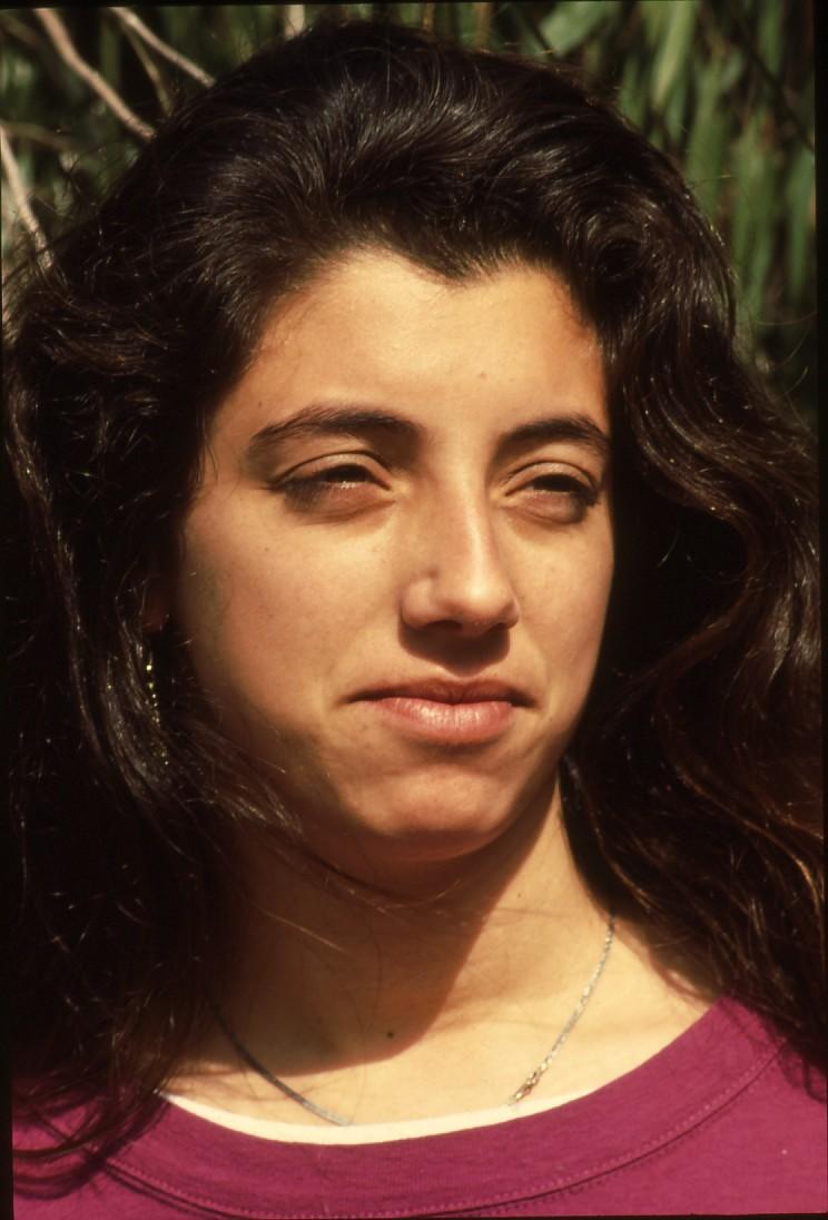 שקופית 15- 236 -ג'ש 1990-קב' מורן-נערה-לזיהוי