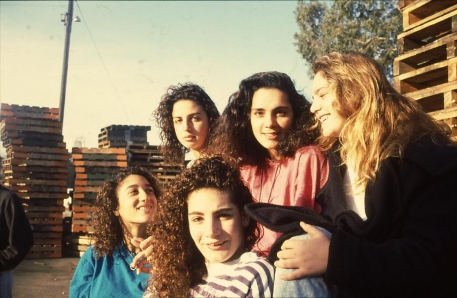 שקופית 18- 236 -ג'ש 1990-קב' מורן-נערות-לזיהוי