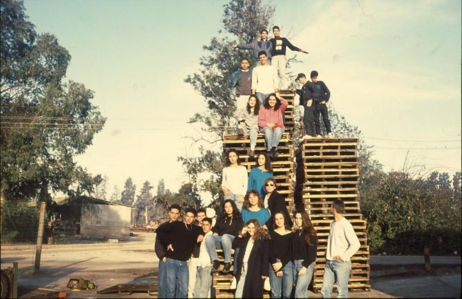 שקופית 19- 236 -ג'ש 1990-קב' מורן בבית החרושת