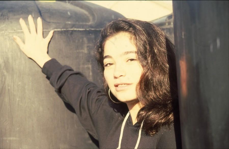 שקופית 27- 236 -ג'ש 1990-קב' מורן-נערה-לזיהוי