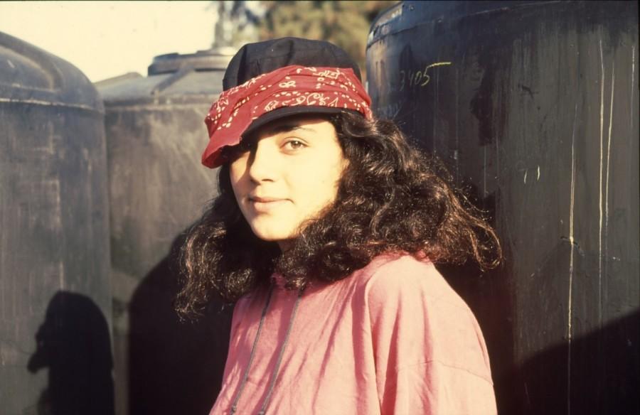 שקופית 28- 236 -ג'ש 1990-קב' מורן-נערה-לזיהוי