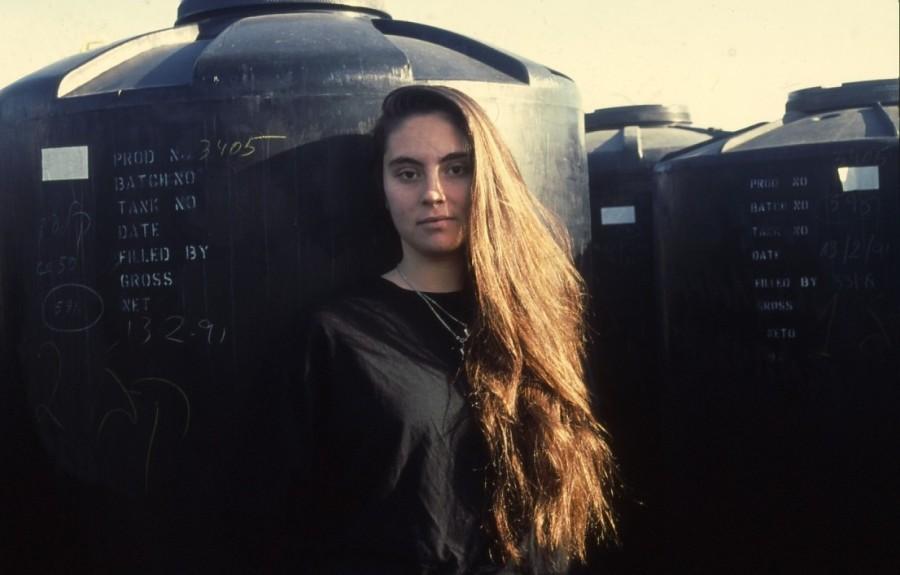 שקופית 32- 236 -ג'ש 1990-קב' מורן-בבית החרושת-נערה-לזיהוי