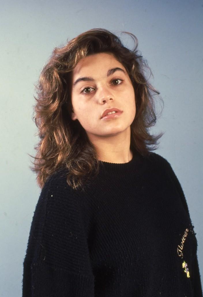 שקופית 40- 236 -ג'ש 1990-קב' מורן-נערה-לזיהוי