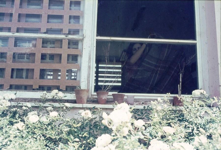 שקופית 16- 296 -ג'ש 1967-קב' חבצלת-עדה מרמלשטיין-ברדה-מקשטת הכיתה