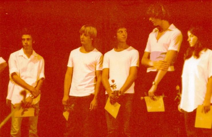 תמונה 38- 345 -גש 1979-נטע שי כספי אבי הלוי ביני אייל בטכס סיום יב