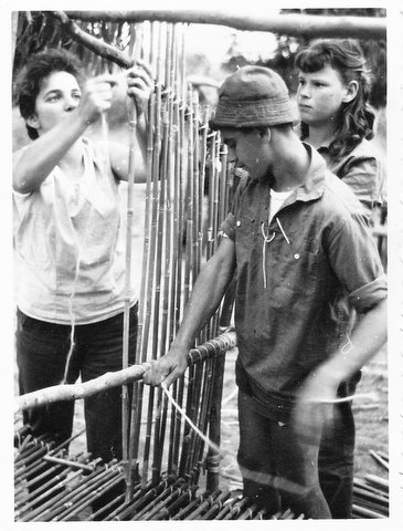 רחל פלג כדר יהודית ורטש קוחלי ויוסי הכט במחנה לג בעומר