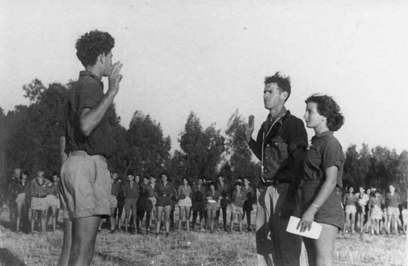 תמונה 33- 914 -גש 1953-קב שבלים-במפקד תנועתי-רמי פלפן חיים מרגלית שלומית זכאי