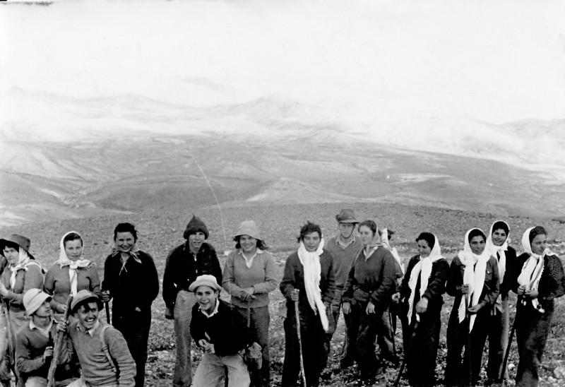 תמונה 35- 914 -גש 1953-קב שבלים ויסעור-טיול למכתשים