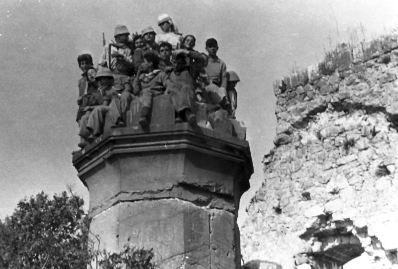 תמונה 3- 925 -גש 1956-7-קב אמיר-בטיול
