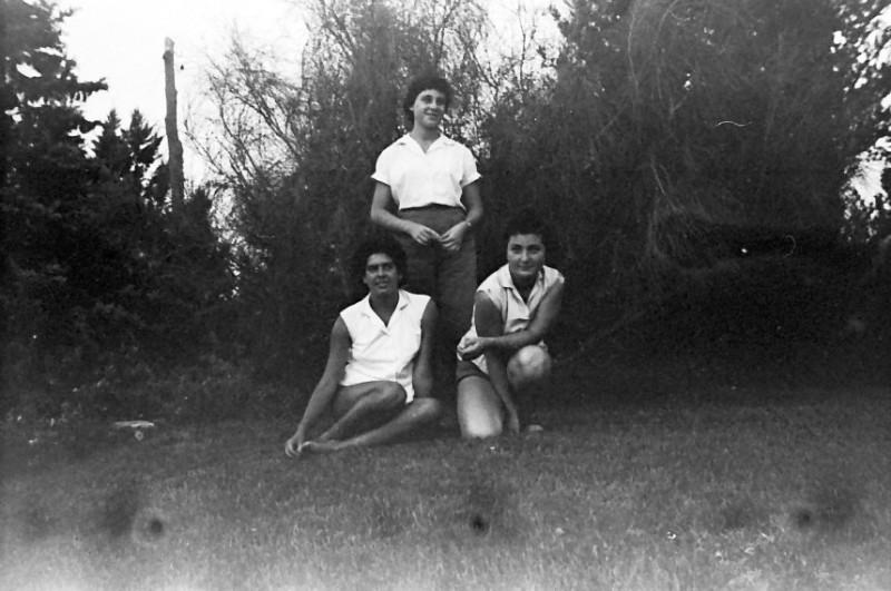 תמונה 1- 793 -ג'ש 1958-עדה ערמון-בן-זאב אורה הדר יעל פלפן