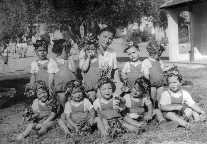 תמונה 16- 218 - עדה ניר עם גנון ילדי קבוצת אלומה - שנות ה-40