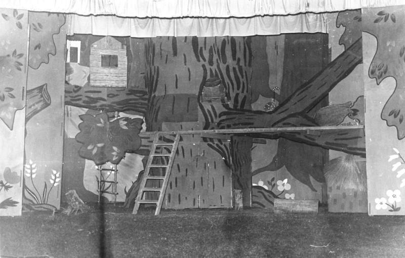 תמונה 3- 67 - הצגת אלומה לסיום שנת הלימודים שוכני האלון כולם שנות ה-50
