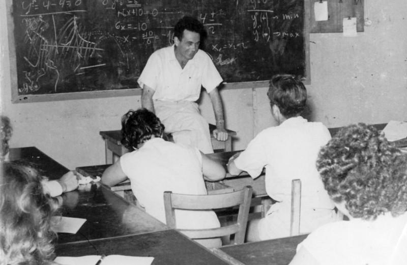 תמונה 1- 127 - בניו בכיתה עם קבוצת עופר