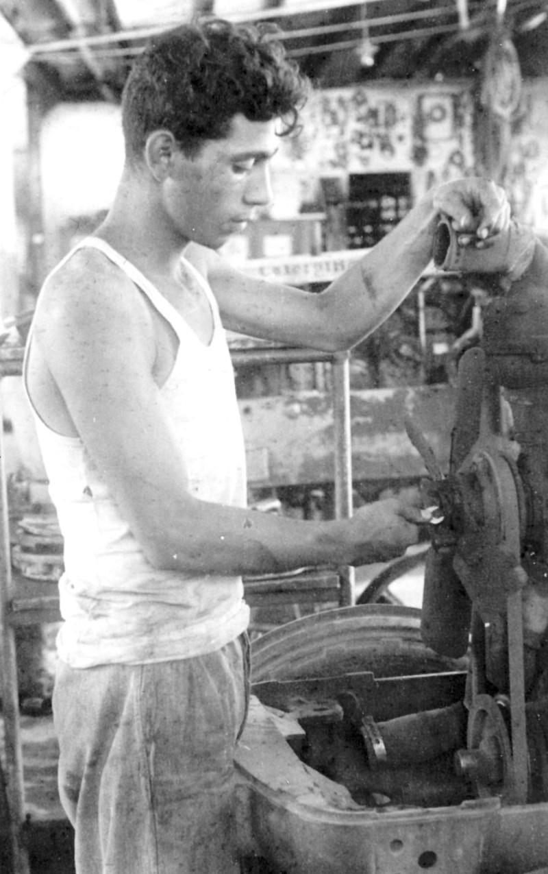 תמונה 13- 124 - נדב מרמלשטיין-מרון-עופר - 1954