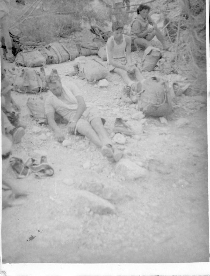 תמונה 8- 408 - קבוצת עופר - טיול למצדה 1954 - דודיק שלומית שקדי-אדוט ישראל נוימרק
