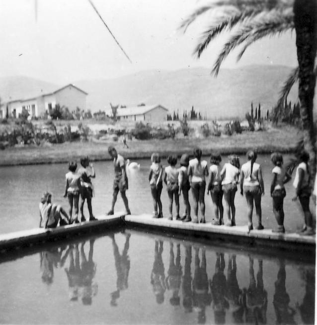 תמונה 12- 267 - קבוצת עומר בטיול לסחנה ליד קיבוץ ניר-דוד - שנות ה-50