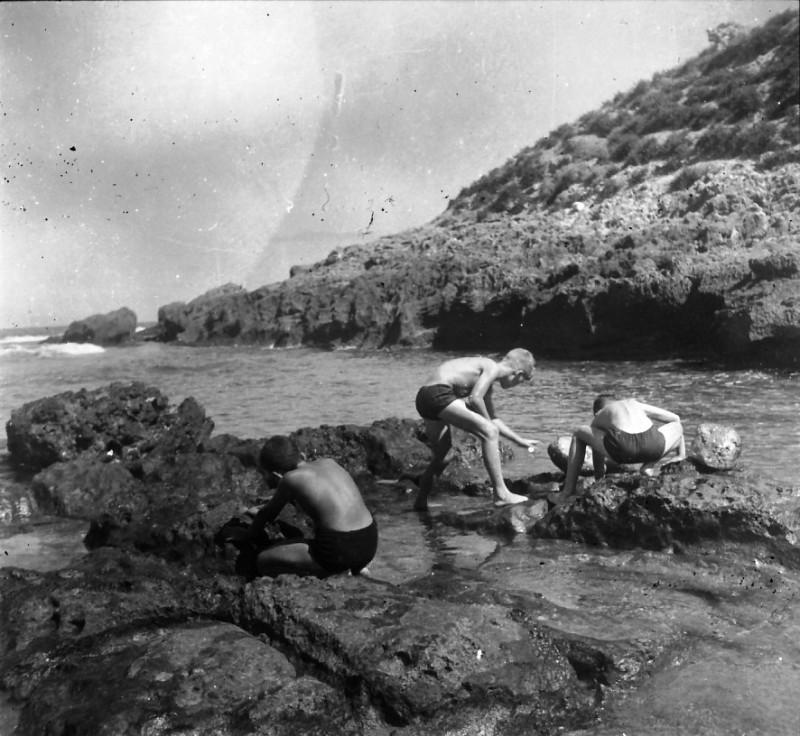תמונה 7- 412 - ילדי קבוצת עופר בים 1948-9