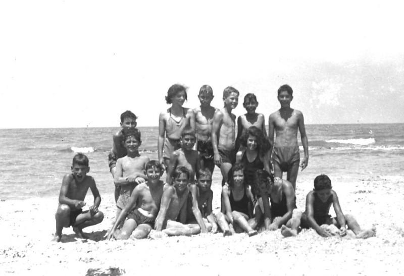 תמונה 22- 412 - קבוצת עופר בקיטנה בטנטורה 1948-9 - שמות בסכום