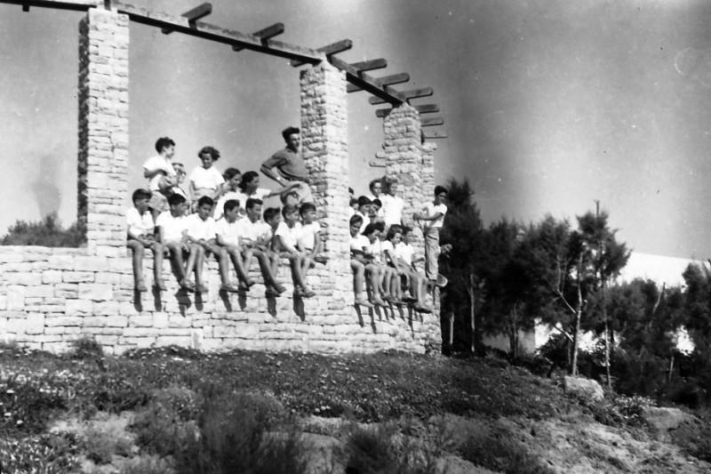 תמונה 11- 411 - קבוצת עופר בטיול - 1947-8