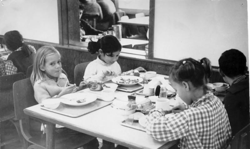 תמונה 2- 54 - קבוצת סלע - אנו מבשלים 1968 - צלילה עופר הדר אלון