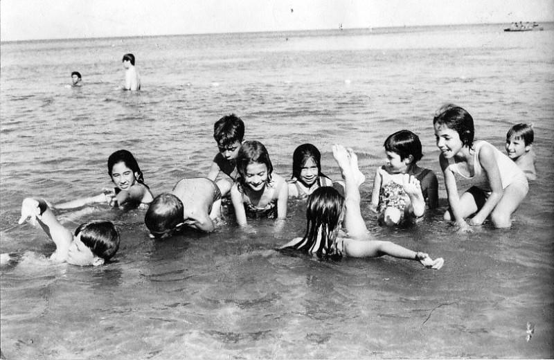 תמונה 5- 303 - קבוצת סלע בים שנות ה-60 - צלילה עופר נטע חנני גיא אורן וילדים נוספים