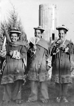 תמונה 2- 259 - קבוצת עופר - הצגת הנסיך הגנוב 1950 - גיורא אילני נדב מרמלשטיין-מרון קובי-אביגדור ב