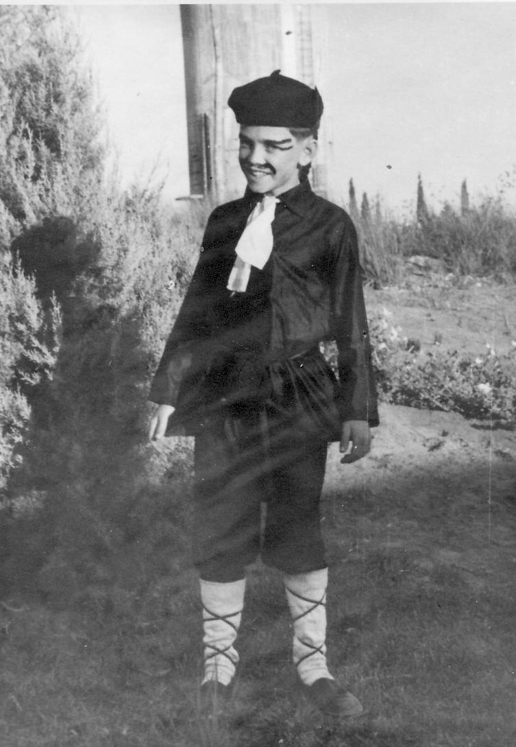 תמונה 13- 223 - הצגת הנסיך הגנוב קבוצת עופר 1950 - חזקי רימון