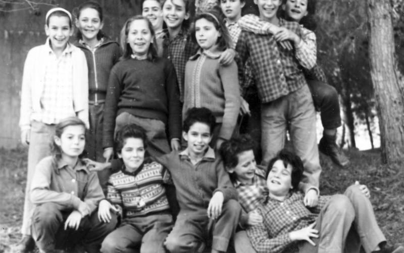 תמונה 9- 305 - בנות קבוצת עומר 1964 - שמות בגב התמונה ובסיכום