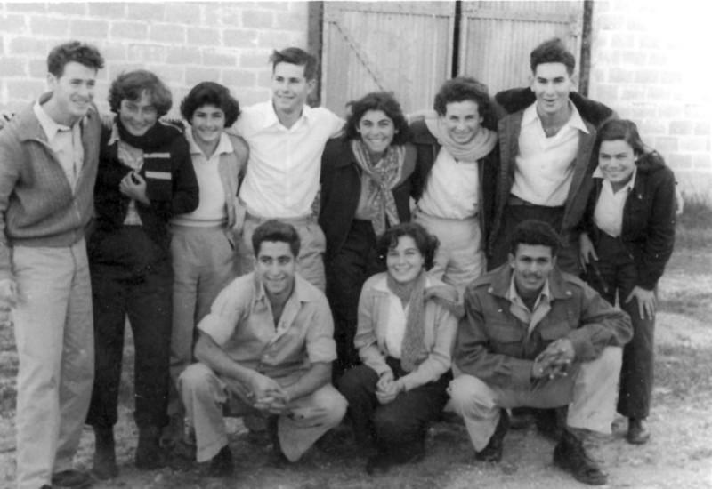תמונה 11- 122 - שבלים-מיכל רמי מיכצה אורי אילן אורה דן אבשלום מרים יורם