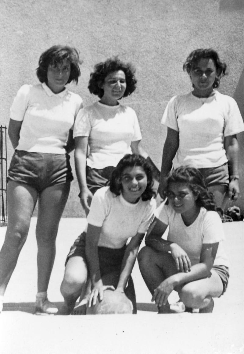 תמונה 13- 125 - קבוצת הכדורסל של בנות שבלים - פרדזה אסתר סטפה כוהנה מיכל זידנברג