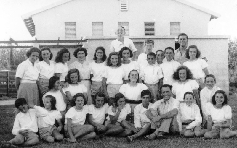 תמונה 20- 121 - קבוצת שבלים עם יצחק רימון אתיה  ושלמה הניג - באמצע למעלה - גבי ואלד זל