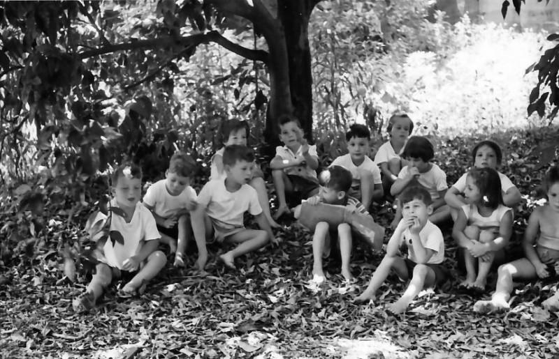 תמונה 44- 555 -גש 1958-ילדי קבוצת אורן-שמות בסכום