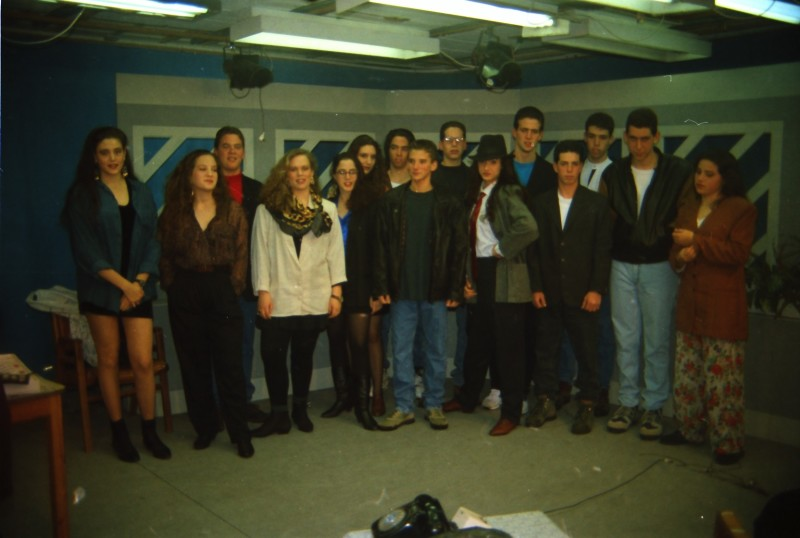 תמונה 36- 304 -ג'ש 1991-במוסד-קב' אנפה באולפן הוידאו-שמות בסכום